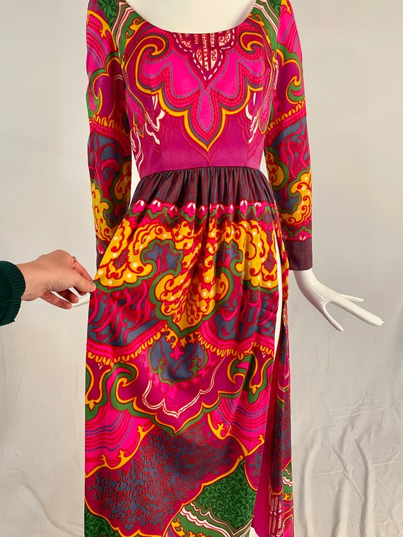 Vintage 1970s Lucie Ann Psychedelic Maxi Blouse, … - image 4