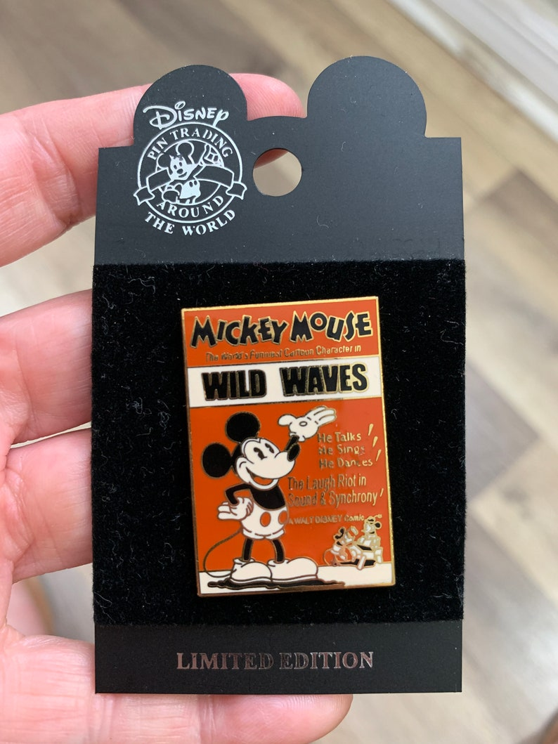 Mickey Mouse Wild Waves Surprise Release Pin 33905 WDW