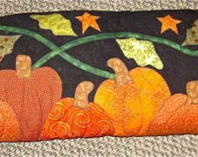 Kit, The Pumpkin Patch Pillow, includes pattern.