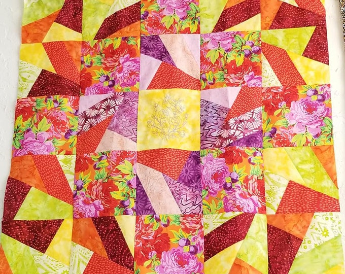 Blooms In Chaos Quilt Kit (Bright)