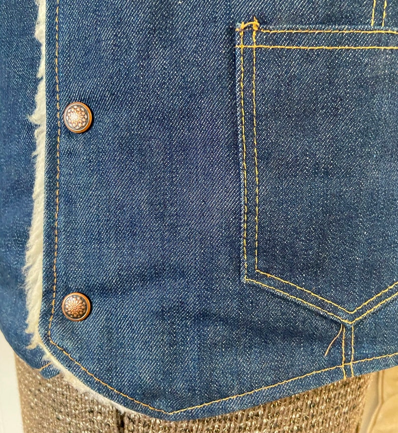 Vintage 70/'s Blue Jean Vest w Faux Sheepskin Liner Adult L Large
