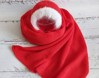 Newborn Christmas set. Red wrap. Red white bonnet.