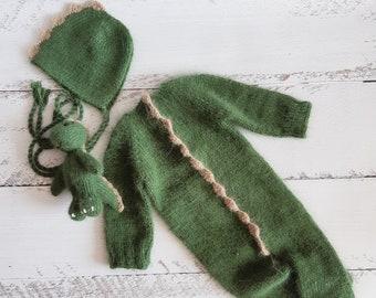 Newborn dinosaur bonnet and toy. Dragon toy. Knitted dino romper. Newborn photo props.