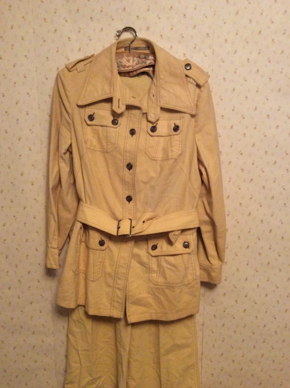 Vintage 1970's Yellow Suit with Buttoned Buckled J
