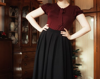 Black plate skirt in the style of the 50s, like Mrs. Maisel