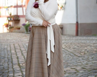 Beautiful autumnal plate skirt in Glencheck look