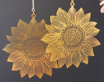 Big Sunshine Sunflower Earrings - Brass - Large delicate and light weight - 18K Gold plated Ear wires