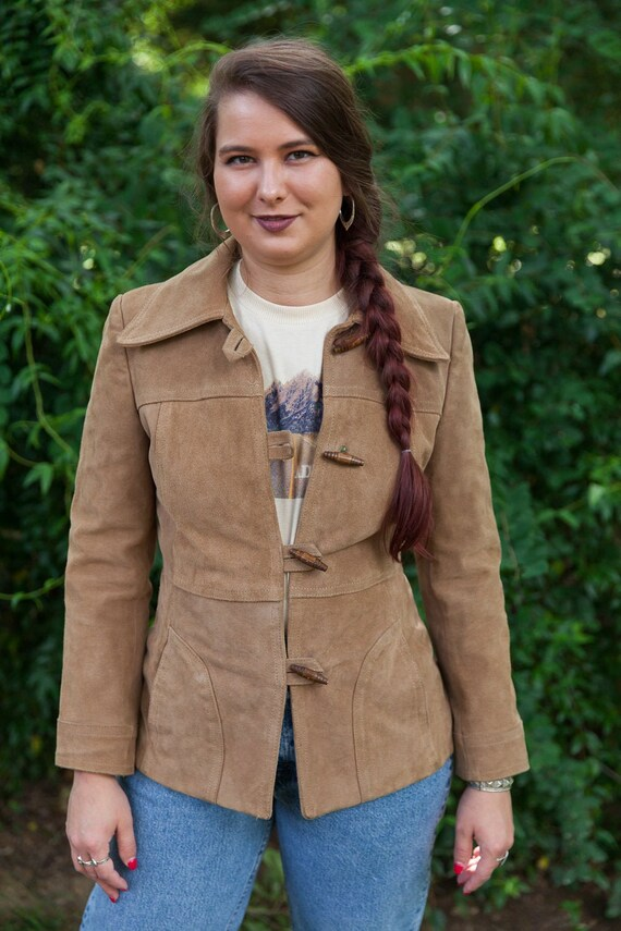 70s vintage suede jacket w/ wood toggle buttons, 7