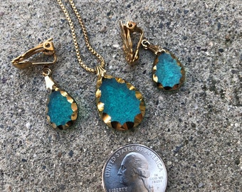 Emerald Green / Turquoise Glass Tear Drop Pendant Necklace and Matching Ear Rings