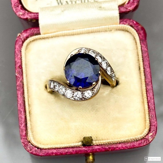 Art Deco Sapphire and Diamond Swirl Ring
