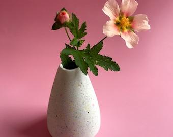 Bud Vase - Small Vase - Jesmonite - Handmade vase