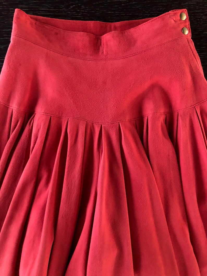 Vintage 1980s Persimmon Suede Pleated Fully Lined Culotte by Maxfield Parrish