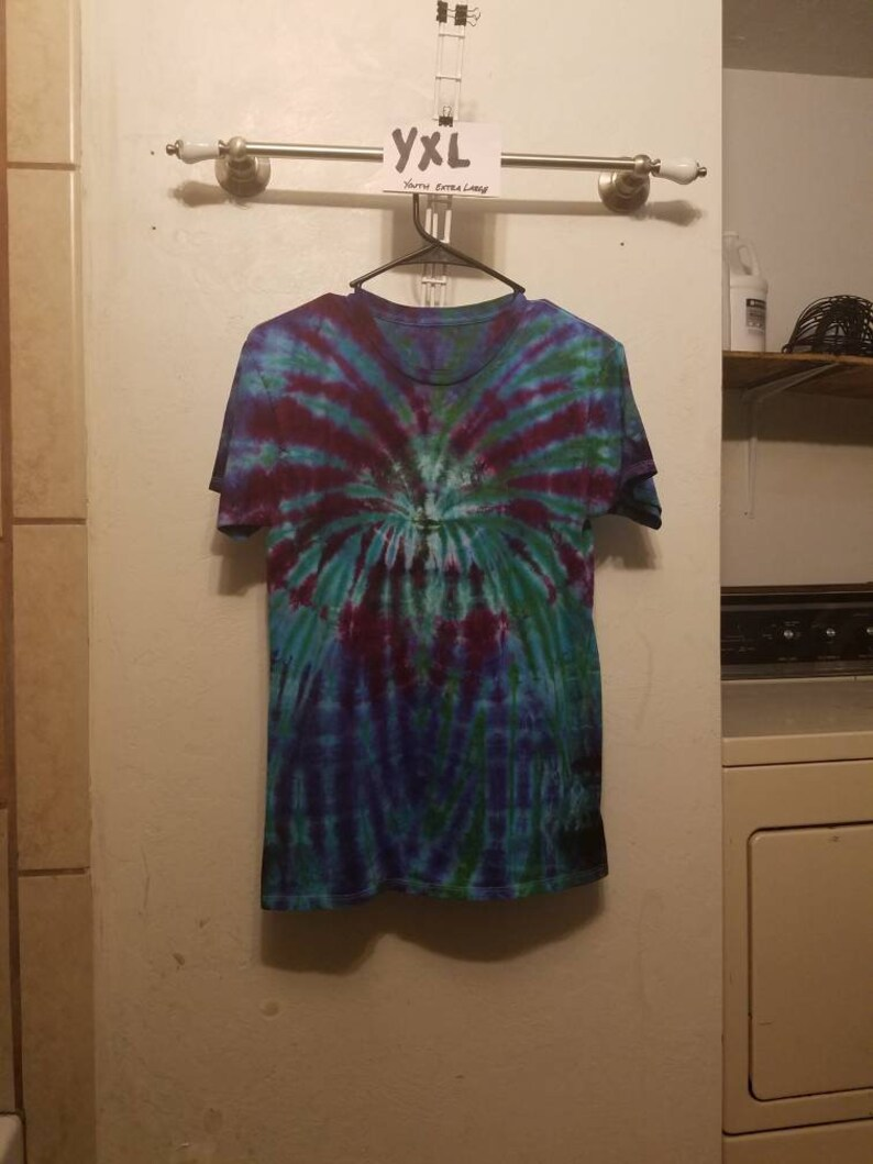 Y005 Unisex Youth Extra Large Ice Dyed  Spider Crew Neck Short Sleeve