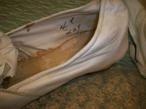 Antique pale cream soft kid leather shoes wedding - image 6