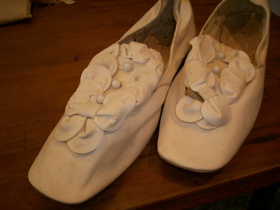 Antique pale cream soft kid leather shoes wedding - image 8
