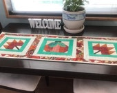Quilted AUTUMN Table Runner Fall Table Topper Pumpkins Harvest Table Runner Thanksgiving Table Decor Halloween Autumn Leaves