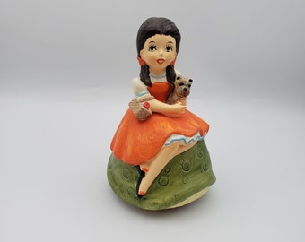 Wizard of Oz music box figurine Dorothy and Toto  Somewhere Over the Rainbow Spencer Gifts 1974 Made in Japan