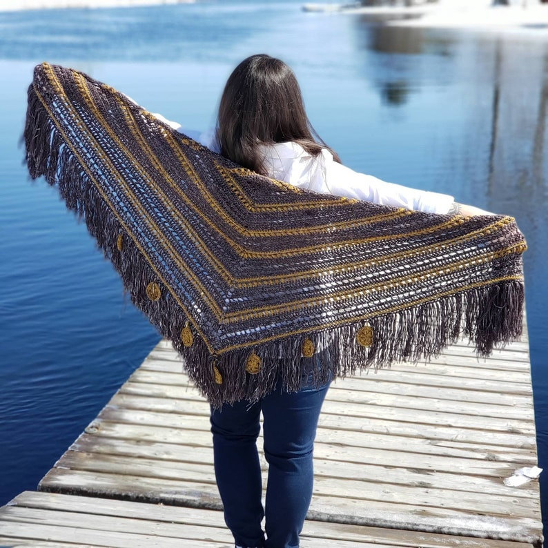 Wind and Tides Triangle Scarf CROCHET PATTERN