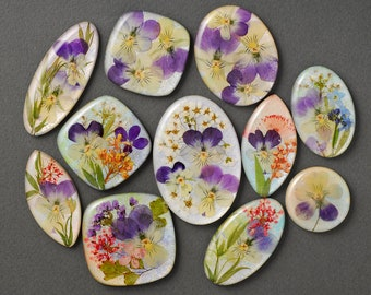 Сabochons with dried flowers for making jewelry, epoxy resin cabochon, Pansies & Herbs pendant, resin art