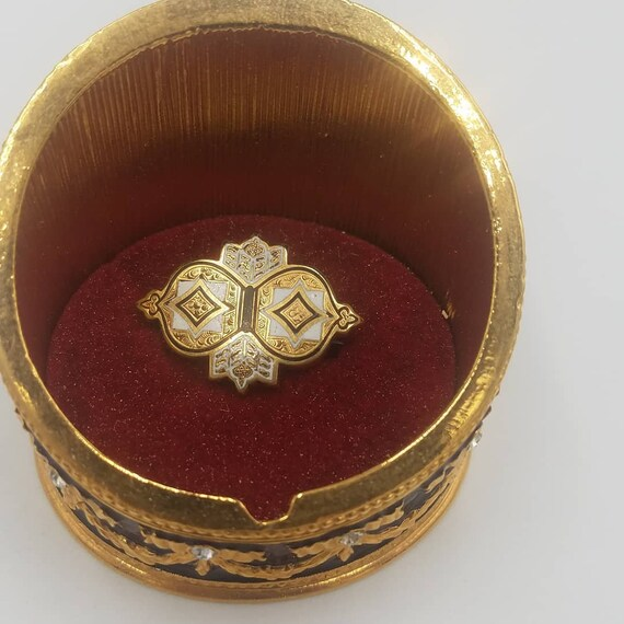 19th century antique enamel and gold cased pin
