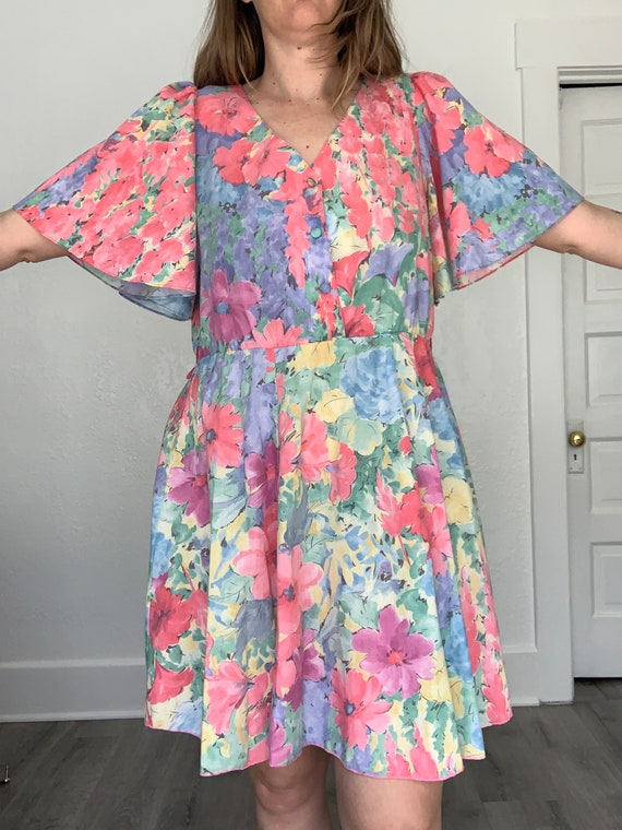 1980's flirty floral springtime dress