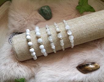 Macramé bracelet, Natural pearl bracelet, Howlite, Peristite, Selenite