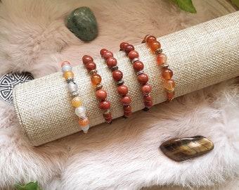 Macramé bracelet, Natural pearl bracelet, Red jasper, Cracked agate, Carnelian