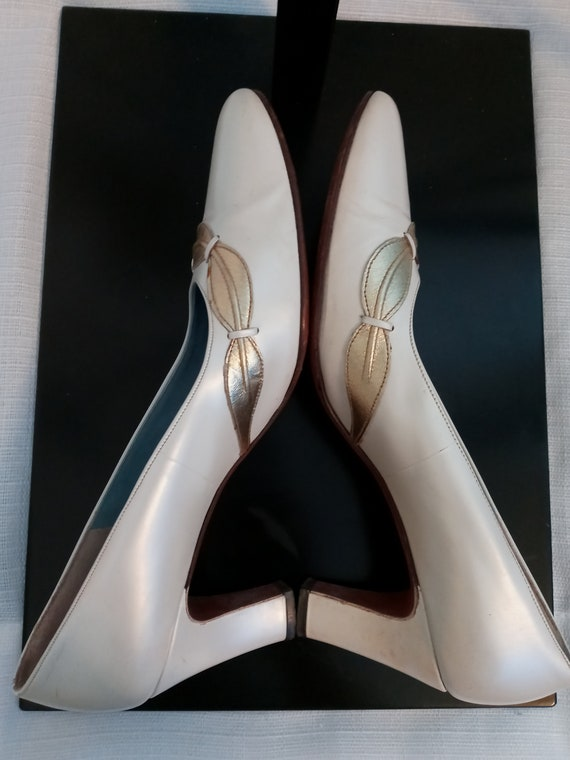 Vintage pearl white and gold shoes - image 6