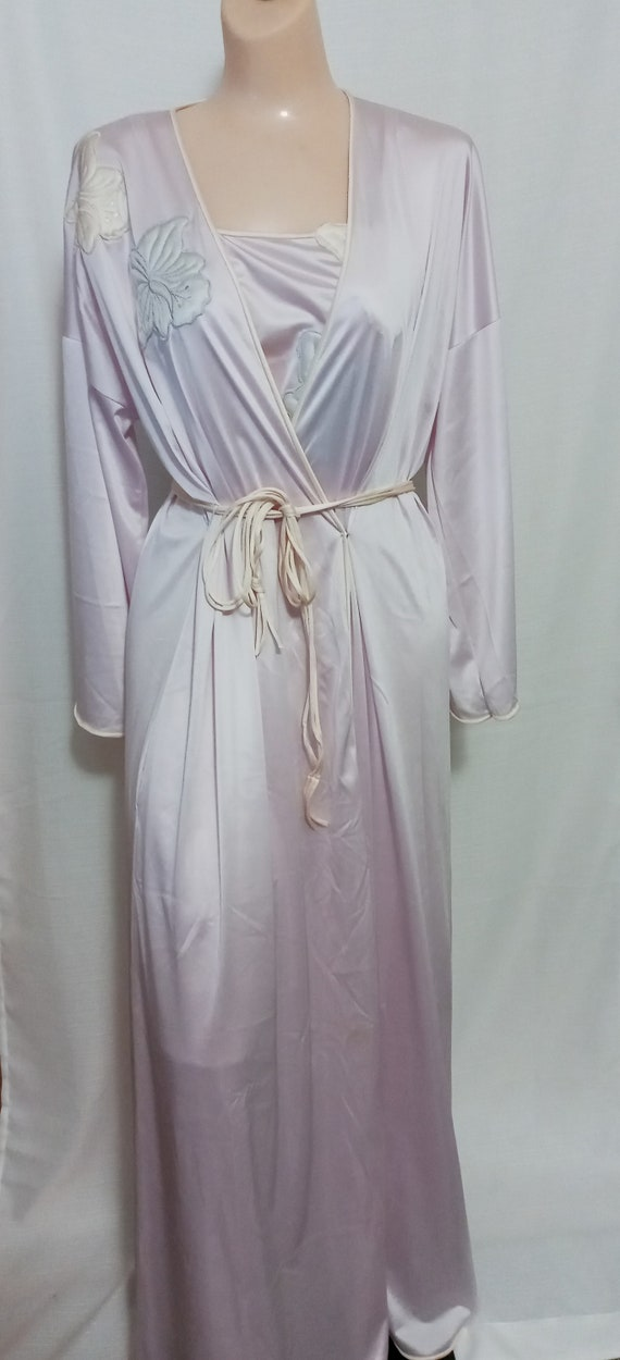 Vintage lilac gown and robe set - image 2