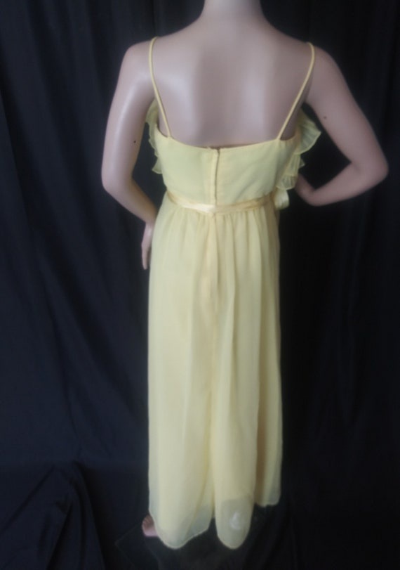 Vintage yellow dress with ruffles - image 7