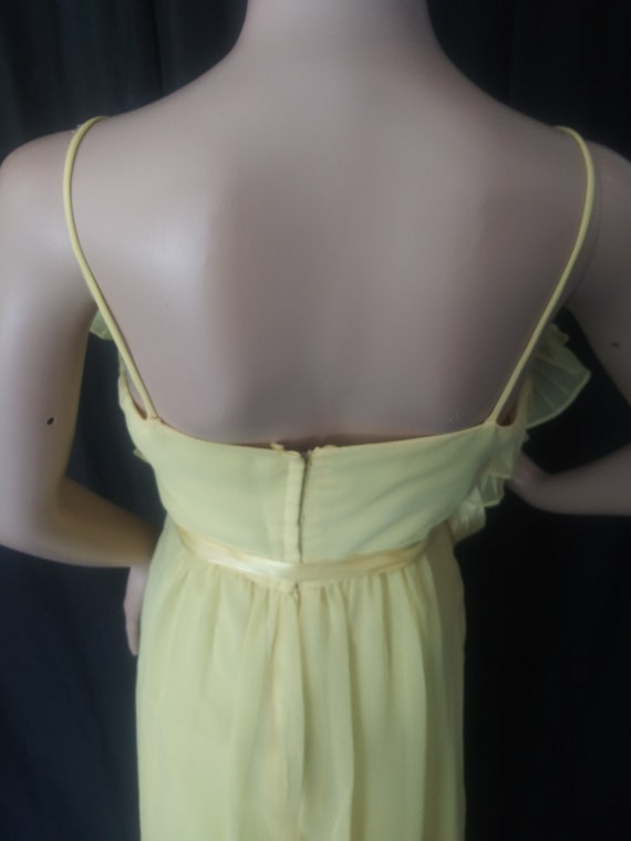 Vintage yellow dress with ruffles - image 5