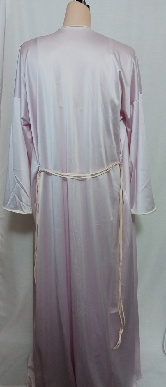 Vintage lilac gown and robe set - image 10