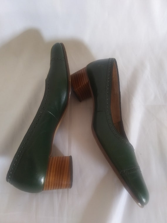 Vintage green chunky heeled shoes