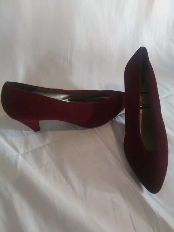 Retro Burgundy Kitten Heels