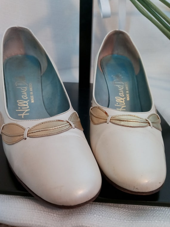 Vintage pearl white and gold shoes - image 1