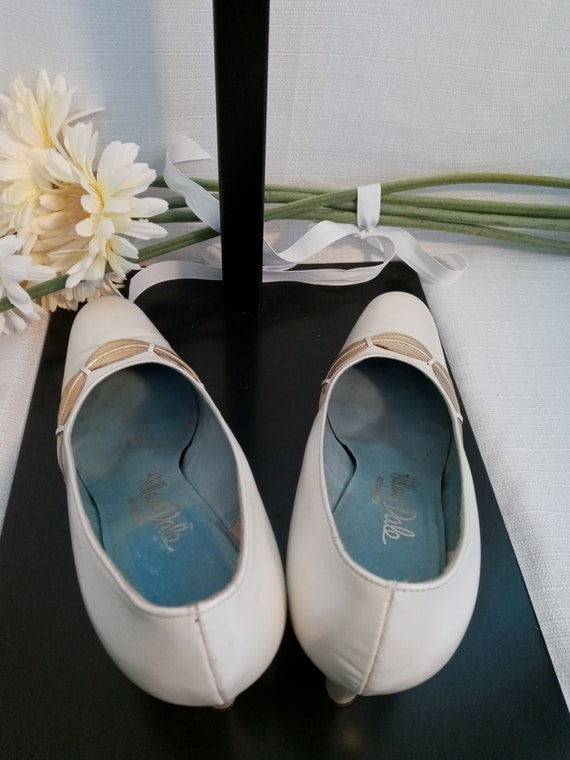 Vintage pearl white and gold shoes - image 7