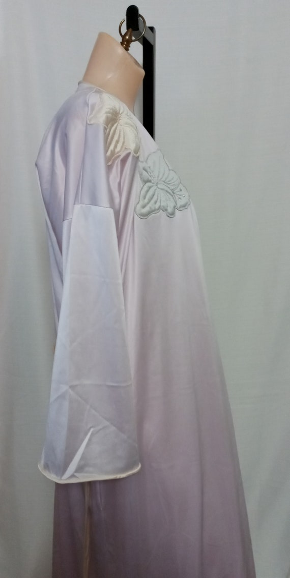 Vintage lilac gown and robe set - image 6