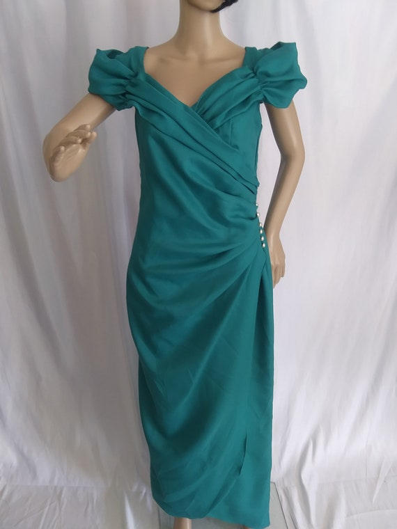Vintage green off-shoulder formal dress