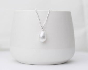 Minimalistic Silver Necklace | Pearl Necklace | Sterling Silver | Chain Necklace | Freshwater Pearl Charm | Statement Necklace |Gift for her