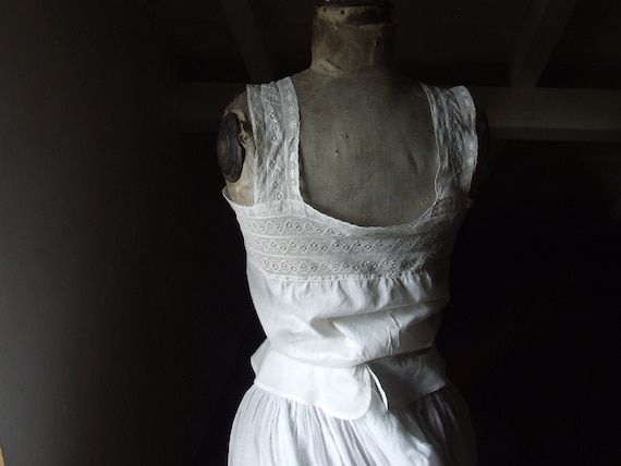Victorian camisole, corset cover. Cotton and lace. - image 4