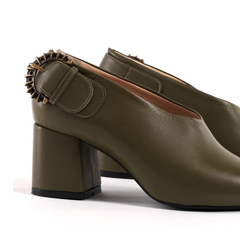 Handmade Old Style Shoes Woman Pumps Vintage Block Leather Heels Pointed Toe Pumps Buckle Olive Green Leather Retro Shoes Custom Leather