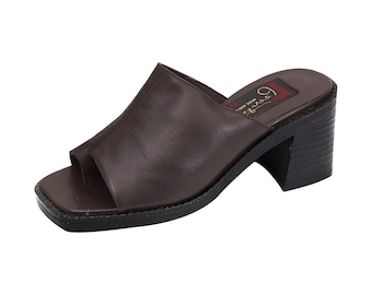 8461f4d3e543eb PEERAGE Adeline Women Wide Width Classic Comfort Leather Heeled Sandals  with Stripe Designed Upper