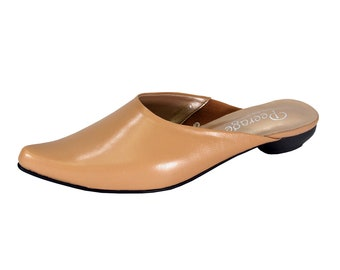 2a857b3524ef4 PEERAGE Lisa Women Wide Width Pointed Toe Classic Elegant Comfortable and  Durable Flat Dress Mules