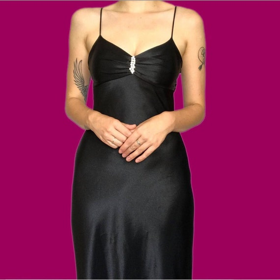 Size 10. above-the-ankle length slip dress Vintage Evening Black Dress by Jones New York fully lined classic styling from the 1980