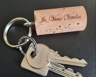 "Keychain ""In vino veritas"" made of natural cork"