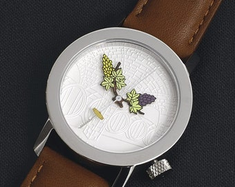 Wristwatch for wine lovers with themed dial