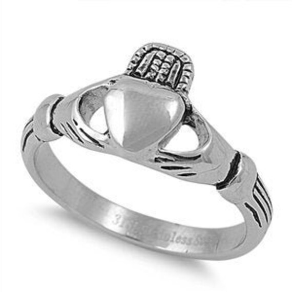 Loyalty /& Friendship Ring Black Claddagh Ring Personalize Engrave Stainless Steel with Celtic Claddagh Design Love Engagement Ring Band
