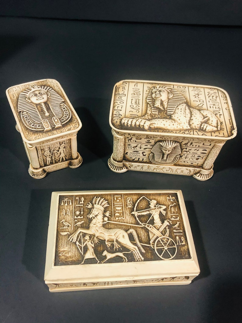 rings made in Egypt Egyptian earrings Jewelry box with a engraved prominent pharaonic civilization home office decor