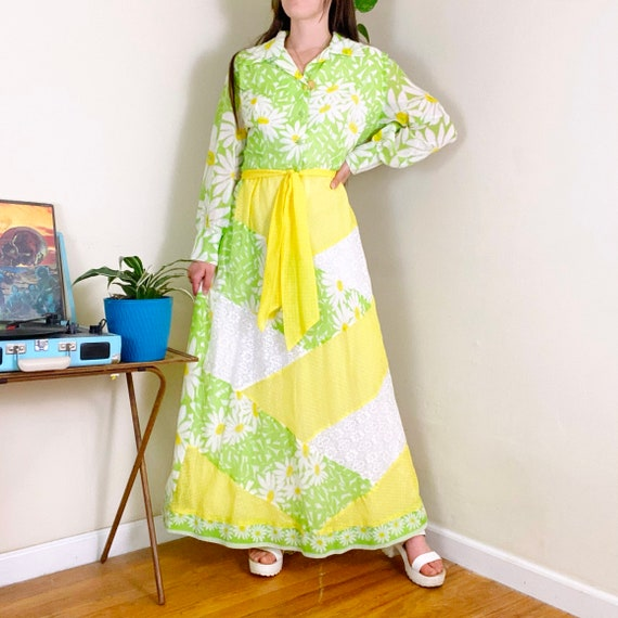 60s Vintage Green and Yellow Daisy Patchwork Wide… - image 2