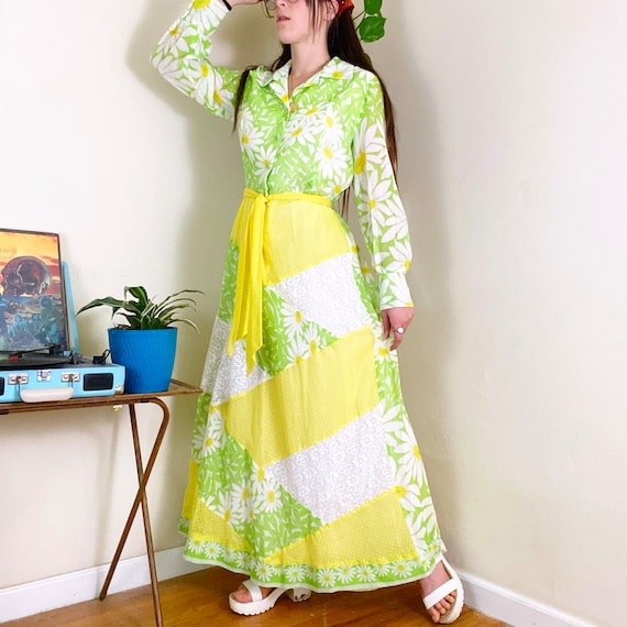 60s Vintage Green and Yellow Daisy Patchwork Wide… - image 1